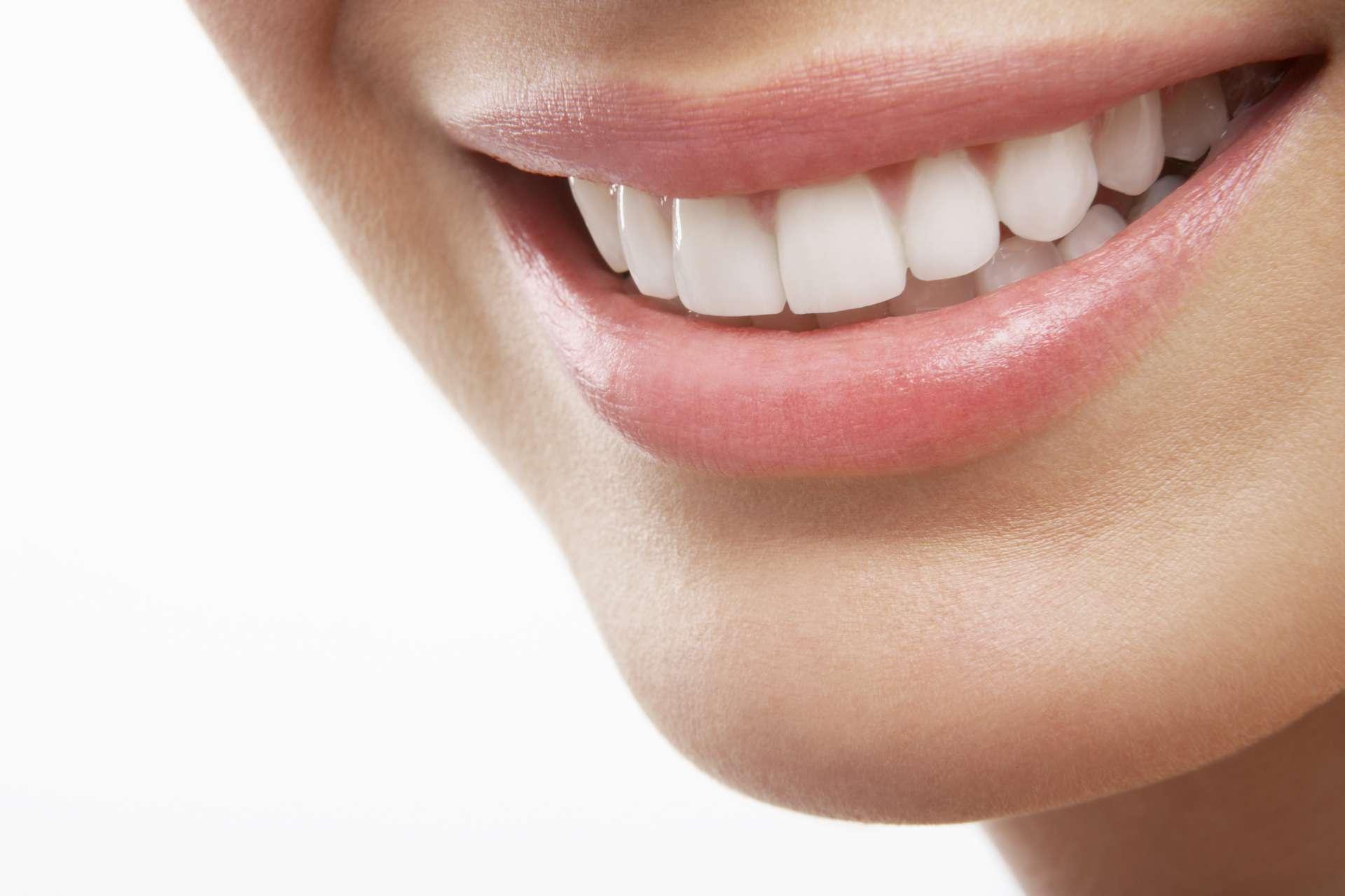 Εμφυτεύματα δοντιών και χαμόγελο