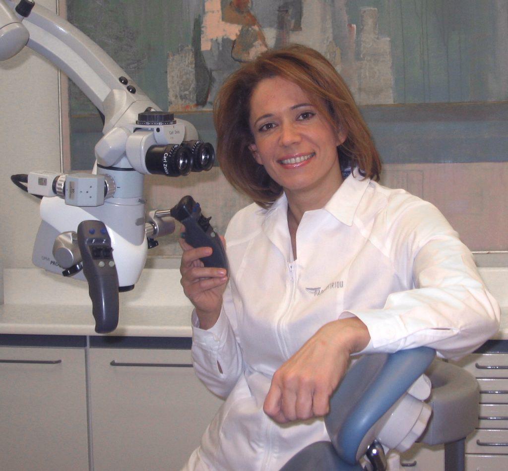 Οδοντιατρικό μικροσκόπιο